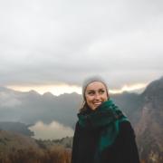femme-hiver-montagne-naturel
